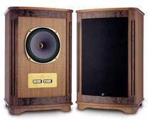 Shelf speaker / in wood