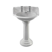 Free-standing washbasin / oval / porcelain / traditional