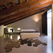 Original design rug / wool / plain / hand-tufted