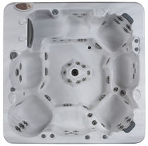 8 seater built-in hot-tub THE POMONA Arctic Spas North America