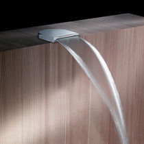 Chrome-plated brass bathtub spout