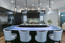 Kitchen counter / bar / glass / L-shaped