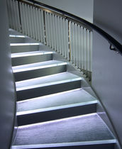 Glass step / integrated LED