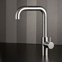Stainless steel mixer tap / kitchen / with pull-out spray / swivel spout