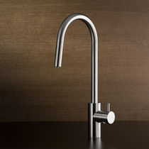 Stainless steel mixer tap / kitchen / swivel spout / with pull-out spray