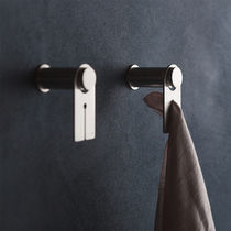 Towel ring / wall-mounted / stainless steel