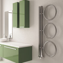 Hot water towel radiator / electrical / vertical / stainless steel