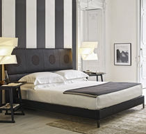 Double bed / contemporary / leather / by Antonio Citterio