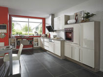 Contemporary kitchen / wooden / lacquered / high-gloss