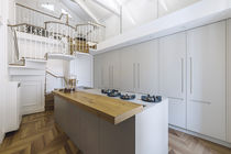 Contemporary kitchen / lacquered wood / porcelain stoneware / island