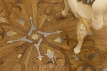 Solid wood floor medallion