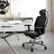 Contemporary office armchair / aluminum / leather / on casters