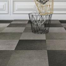 Carpet tile / loop pile / woven / PET