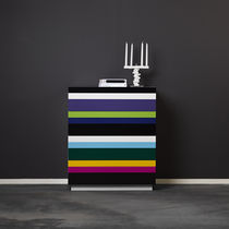Contemporary chest of drawers / painted wood / lacquered MDF