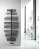 Hot water radiator / vertical / metal / wall-mounted