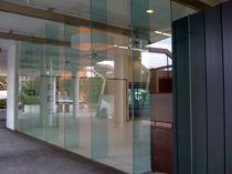 Curtain wall glass panel