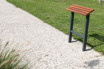 Stand-up bench / public / garden / contemporary