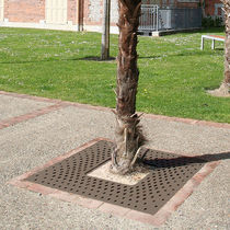Steel tree grate / square