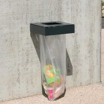 Public trash can / wall-mounted / sheet steel / anti-terrorism