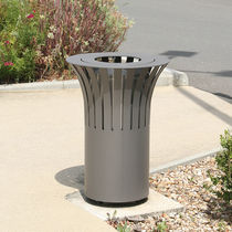 Public trash can / sheet steel / swing / contemporary