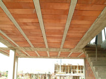 Structural floor with girder-slabs / ceramic interjoist