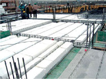 Structural floor with girder-slabs / polystyrene interjoist