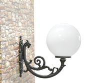 Traditional wall light / outdoor / cast iron