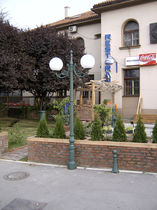 Urban lighting pole / contemporary / cast iron