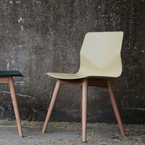 Contemporary restaurant chair / recyclable / oak / polypropylene