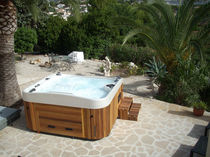 Portable hot tub / square / 7-seater