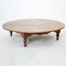 Traditional coffee table / wooden / round