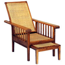 Traditional armchair / wooden / with footrest