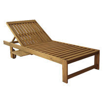 Contemporary sun lounger / teak / pool