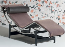 Contemporary chaise longue / fabric / leather / by Le Corbusier