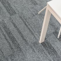 Carpet tile / loop pile / structured / polyamide