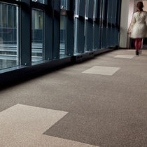 Carpet tile / tufted / polyamide / velvet