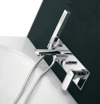 Bathtub mixer tap / chromed metal / bathroom / 4-hole