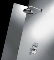Wall-mounted shower head / round