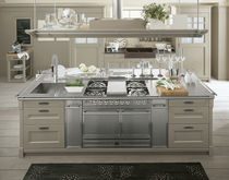 Traditional kitchen / solid wood / stainless steel / island