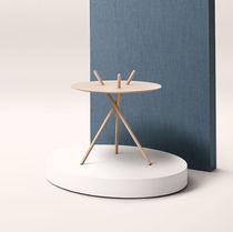 Scandinavian design side table / oak / round