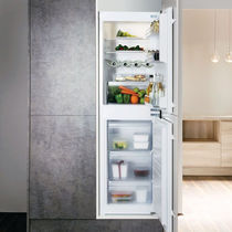 Residential refrigerator-freezer / double door / white / energy-efficient