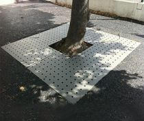 Metal tree grate / square