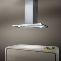 Island range hood / with built-in lighting