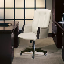 Traditional office armchair / wooden / fabric / on casters