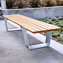 Public bench / contemporary / cast aluminum / wooden