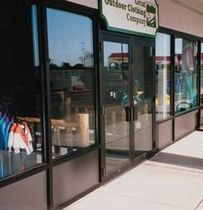 aluminium entrance door for commercial buildings 200 NARROW STILE CMI Architectural Products, Inc.