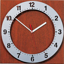 analog clock 325 by Joe Ricchio Peter Pepper Products