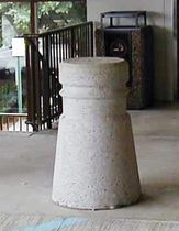 anti parking bollard  High Concrete