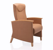 armchair for healthcare facilities SOLSTICE MOTION by Daniel Cramer &amp; Paul James KI