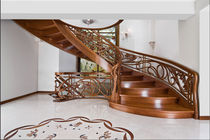 circular classic staircase with lateral stringer (wooden steps and frame) STILYSH: MS-57 Marchewka